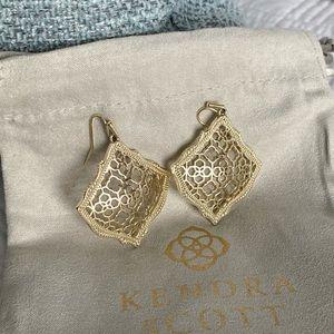 💕Kendra Scott Kristen Earrings in Gold EUC
